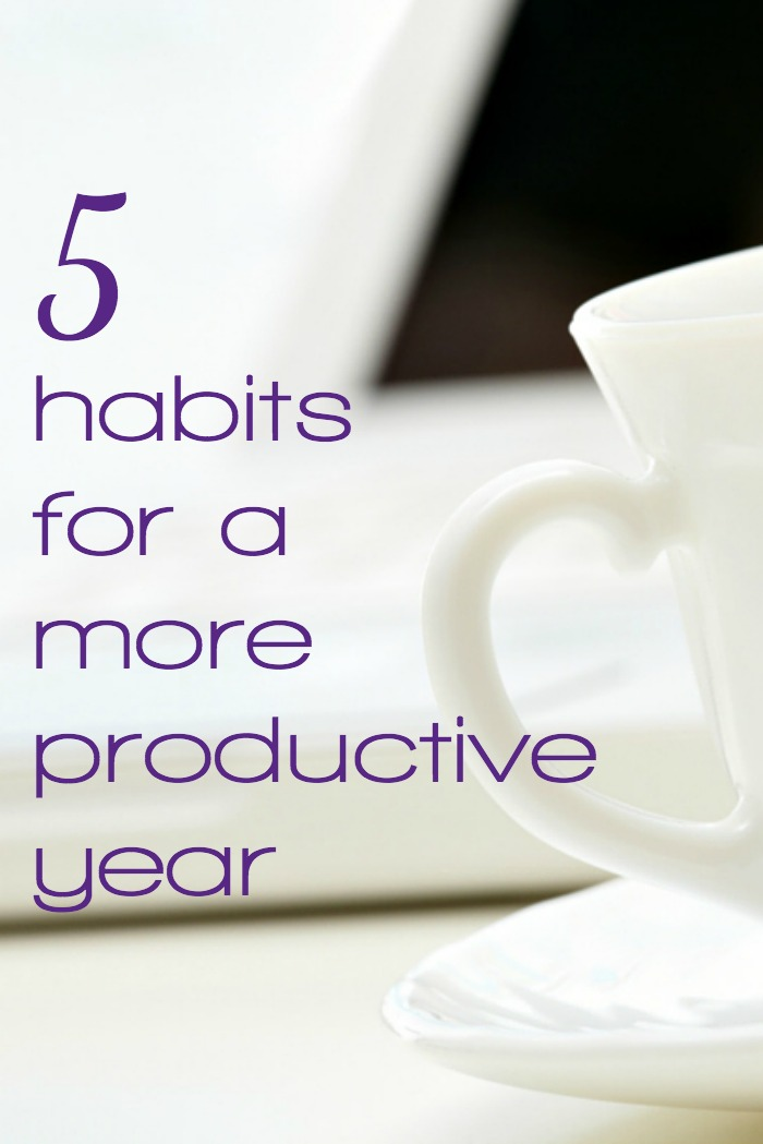 These 5 productivity habits are vital if you want to stay afloat in 2016. Learn the habits that will support you in your efforts to get organized and stay on top of things in your life this year. It's simple, just hard. But it's also worth it.
