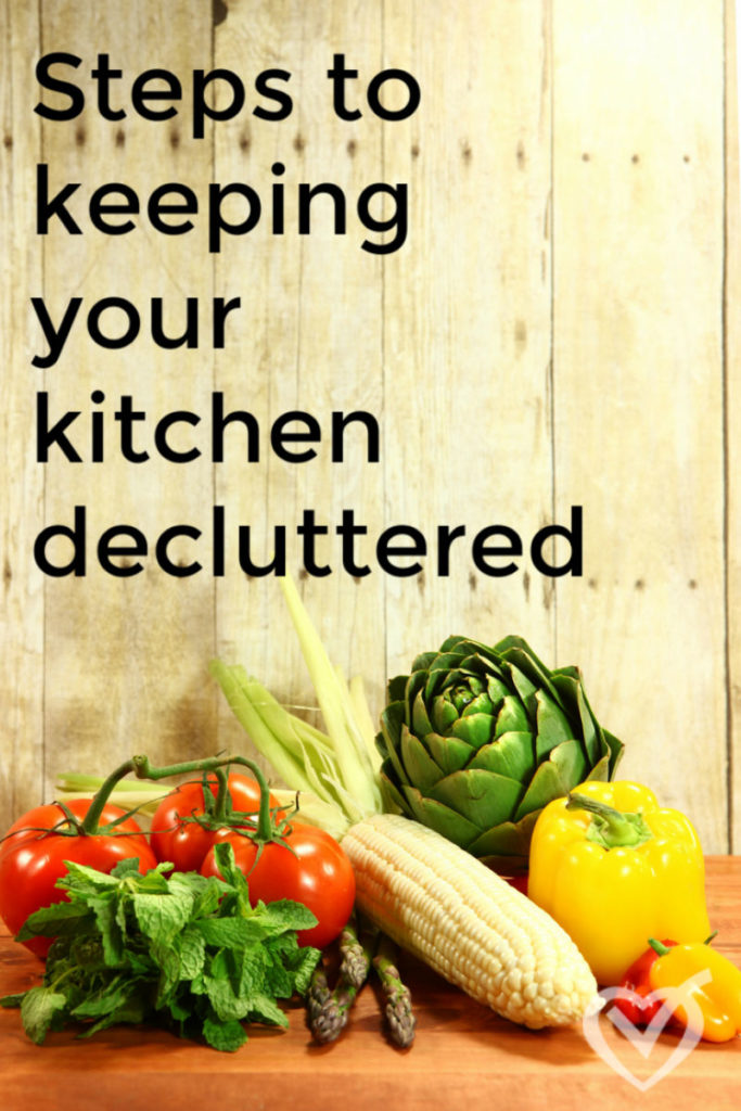 Have you always wanted a decluttered kitchen? This ultimate guide will walk you step by step through a thorough decluttering process!